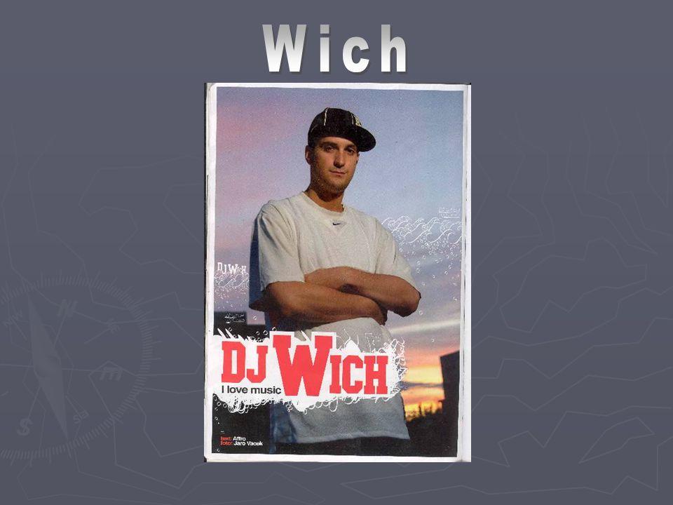 Pražská hiphopová skupina Indy&Wich svůj první koncert odehrála v prosinci 1998.