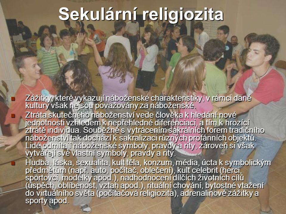 Práce s věřícími a nevěřícími studenty CDV Jabok 200920 Michael Martinek Sekulární religiozita Zážitky, které vykazují náboženské charakteristiky, v r