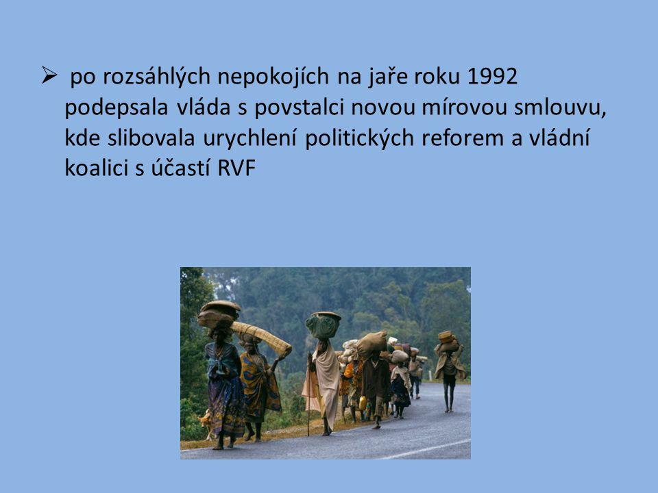  po rozsáhlých nepokojích na jaře roku 1992 podepsala vláda s povstalci novou mírovou smlouvu, kde slibovala urychlení politických reforem a vládní k