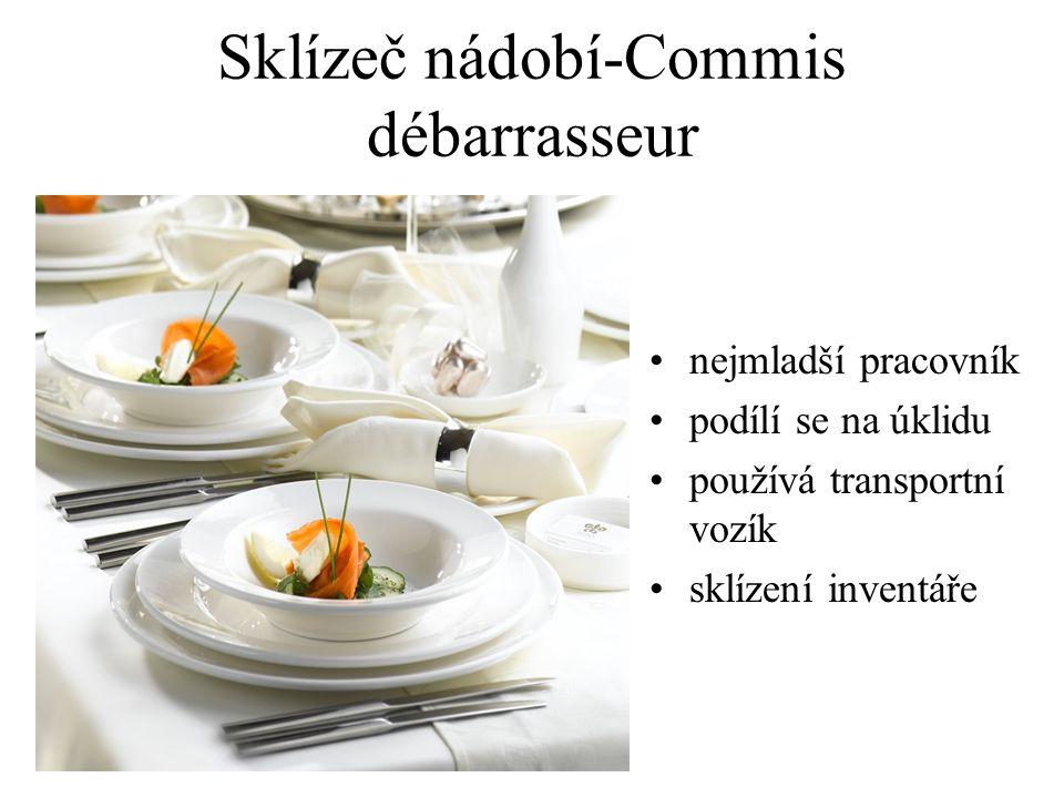 Předkrmář-Hors d' oeuvrier nabízí studené předkrmy připravuje předkrmy před hostem servíruje ostatní výrobky studené kuchyně