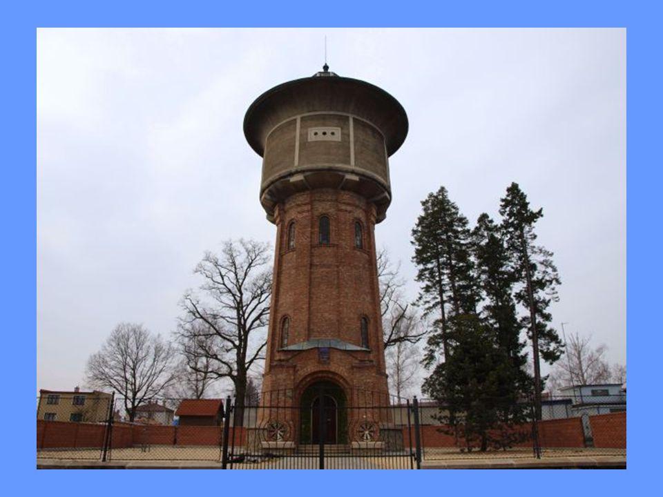 Historie původně dřevěný vodovod ze Zlaté Stoky předchozí čerpadlo poháněl benzínový motor do roku 1922 se do věže čerpala voda ze studny hluboké 10 metrů v letech 1922 – 1925 byla vodárna napojena na novou artézskou studnu