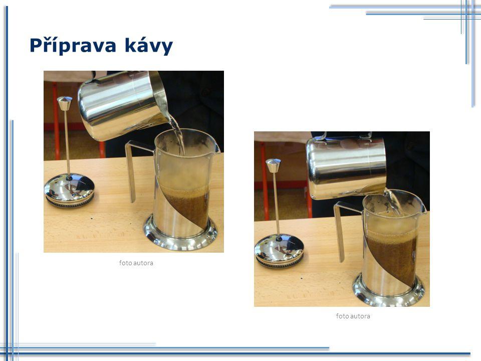 Příprava kávy foto autora