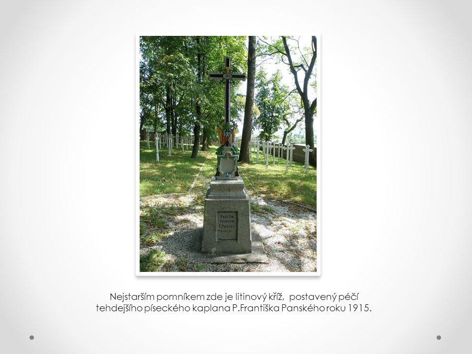 Na hřbitově se nacházejí hroby příslušníků rakousko-uherské branné moci ze všech koutů tehdejší monarchie, válečných zajatců i příslušníků českosloven