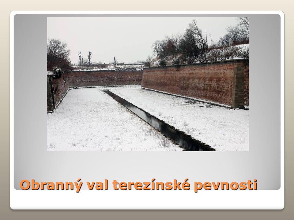 Obranný val terezínské pevnosti