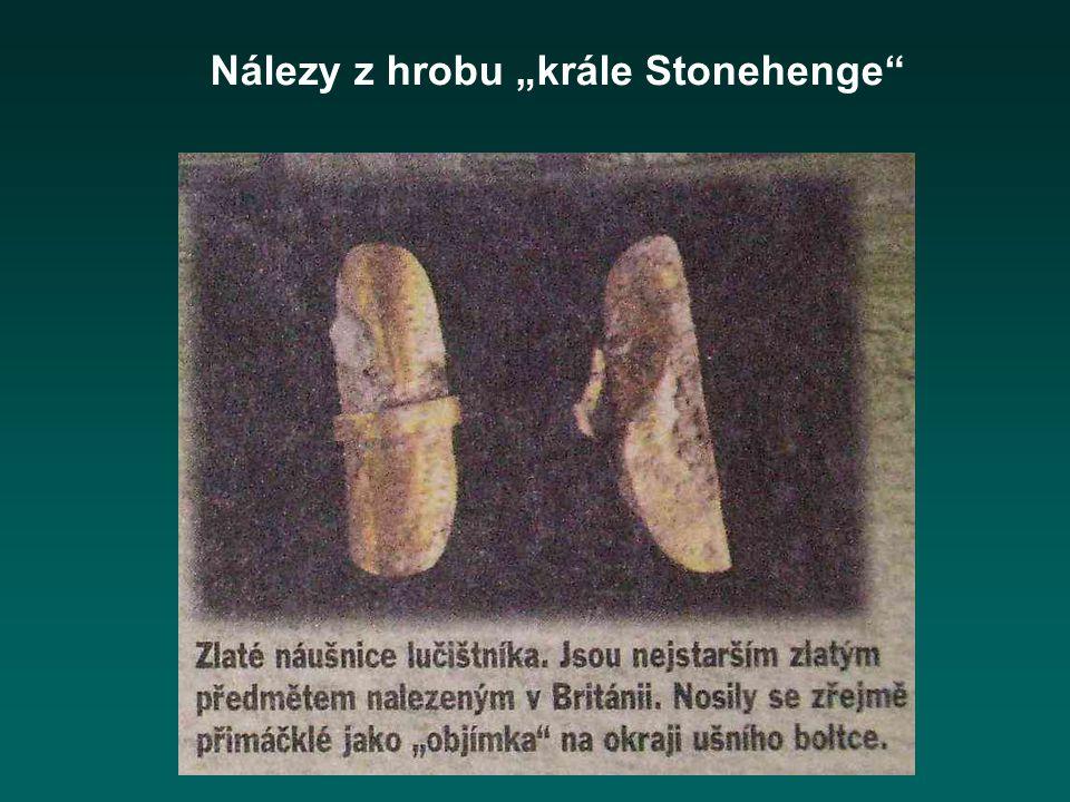 """Nálezy z hrobu """"krále Stonehenge"""