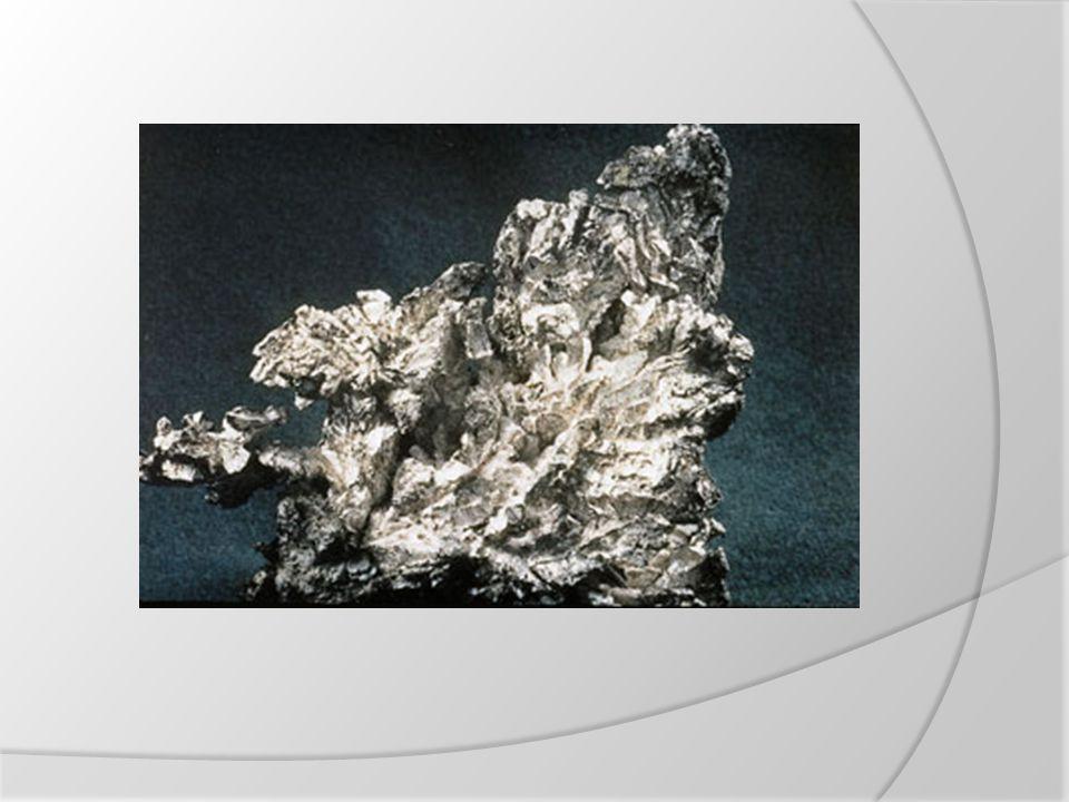 Výskyt:  v zemské kůře se stříbro vyskytuje pouze vzácně  průměrný obsah činí kolem 0,07 – 0,1 mg/kg  v přírodě se stříbro obvykle vyskytuje ve sloučeninách  téměř vždy je stříbro příměsí v ryzím přírodním zlatě
