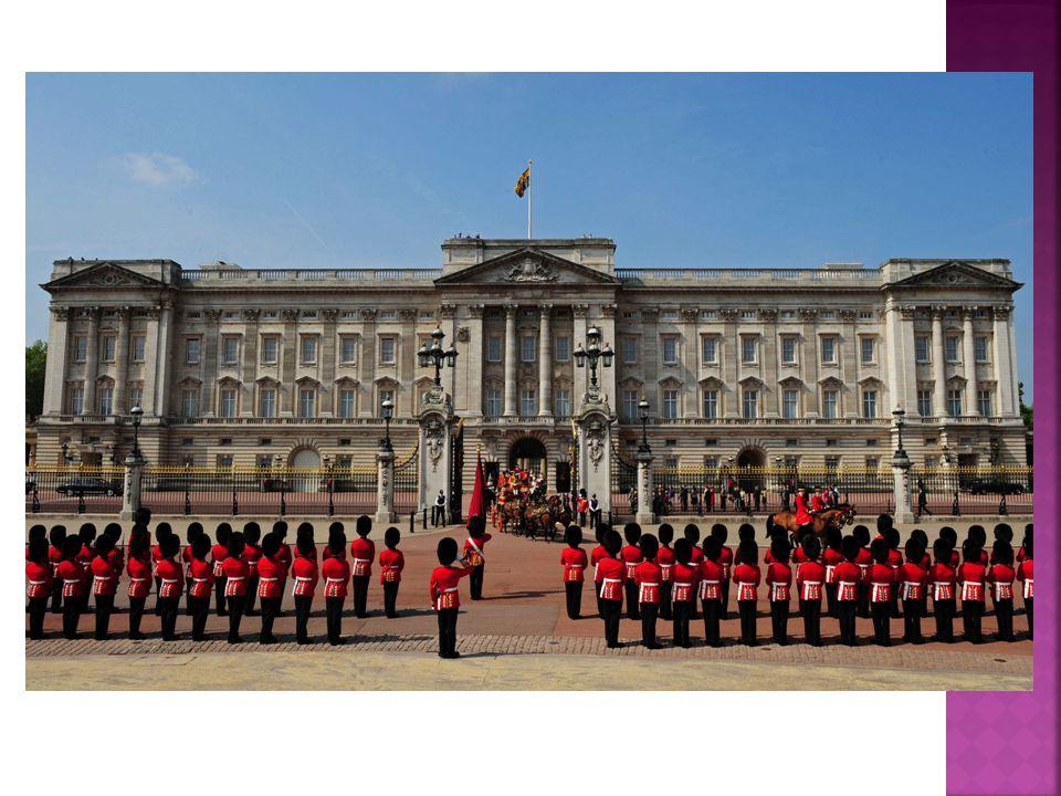  Cestou zpět jsme se zastavili v Londýně, obešli téměř všechny MUST SEE SIGHTS - Buckinghamský palác, Picadilly, zájemci navštívili muzeum voskových figurín nebo Britské muzeum.