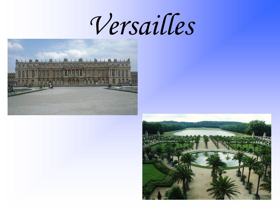 Začalo se budovat v roce 1668 Ludvíkem XIV.