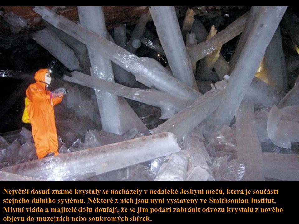 V menší z obou jeskyní, která má rozlohu asi jako větší třípokojový byt, je teplota asi 100 F (cca 38°C). Větší prostora, kterou Fisher popisuje asi j