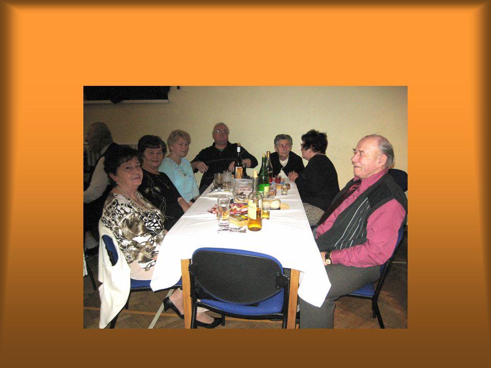 Silvestrovského posezení se zúčastnilo na 110 členů Senior klubu a domácích i přespolních hostů