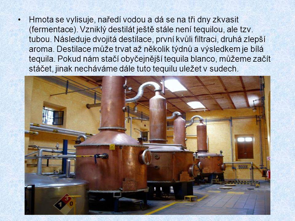 Hmota se vylisuje, naředí vodou a dá se na tři dny zkvasit (fermentace).