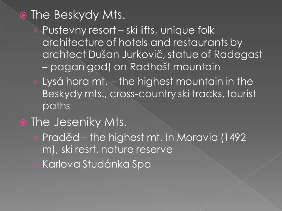  The Beskydy Mts. › Pustevny resort – ski lifts, unique folk architecture of hotels and restaurants by archtect Dušan Jurkovič, statue of Radegast –