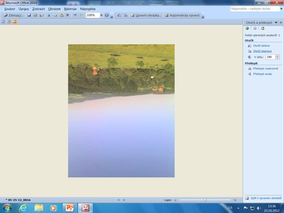 Uplatníme-li položku Otočit a překlopit, měníme orientaci fotografie