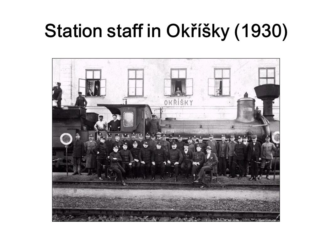 Station staff in Okříšky (1930)