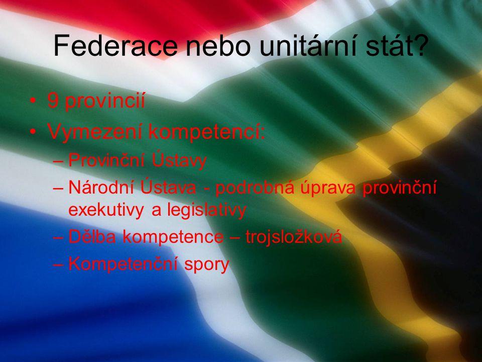 Politické strany Systém více stran s dominantním postavením jedné strany – Africký národní kongres (279 poslanců) Opozice – Demokratická aliance (50 křesel), Inkatha (28 křesel)