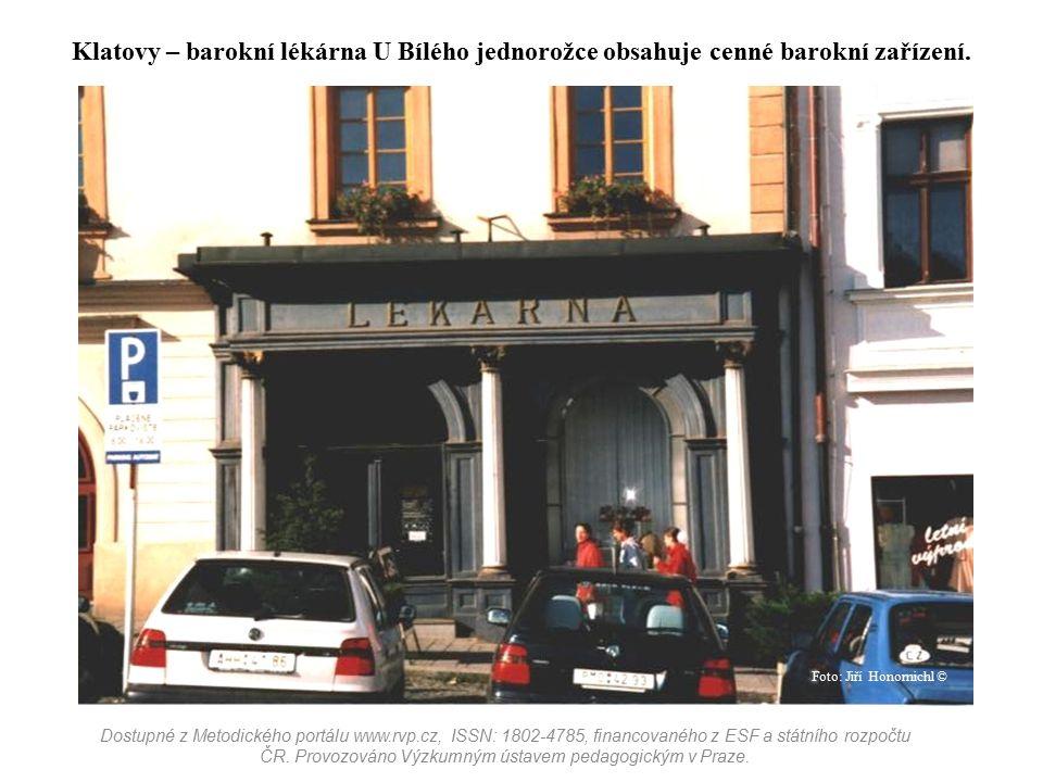 Klatovy – barokní lékárna U Bílého jednorožce obsahuje cenné barokní zařízení. Dostupné z Metodického portálu www.rvp.cz, ISSN: 1802-4785, financované