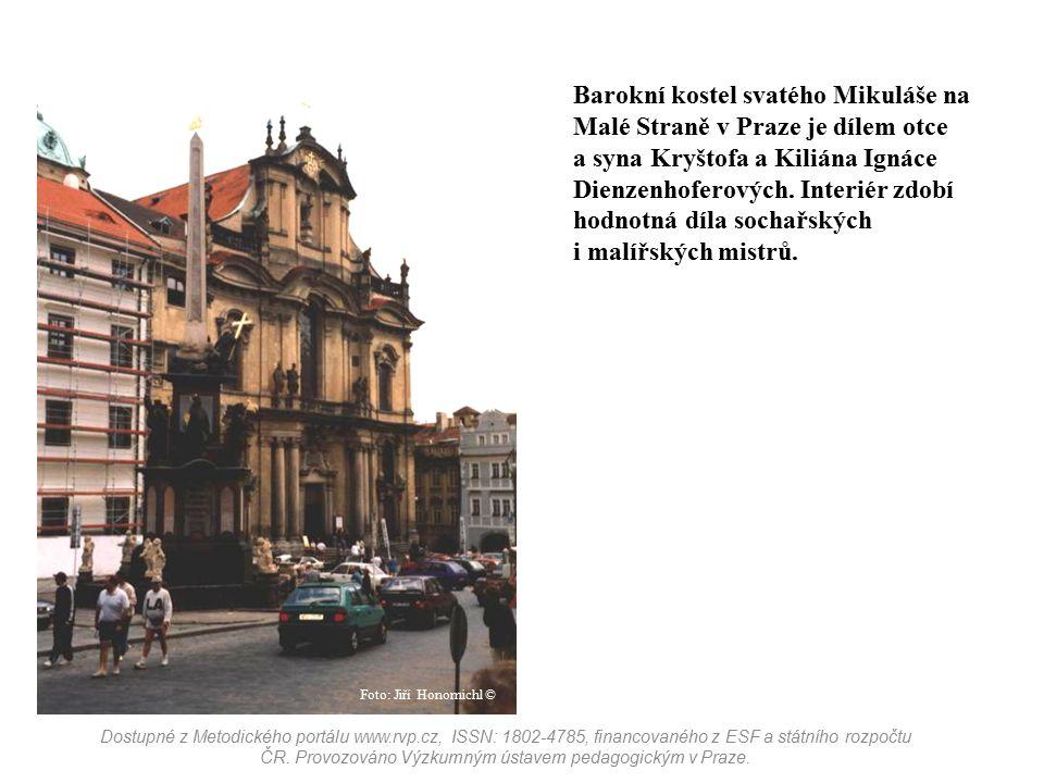 Barokní kostel svatého Mikuláše na Malé Straně v Praze je dílem otce a syna Kryštofa a Kiliána Ignáce Dienzenhoferových. Interiér zdobí hodnotná díla
