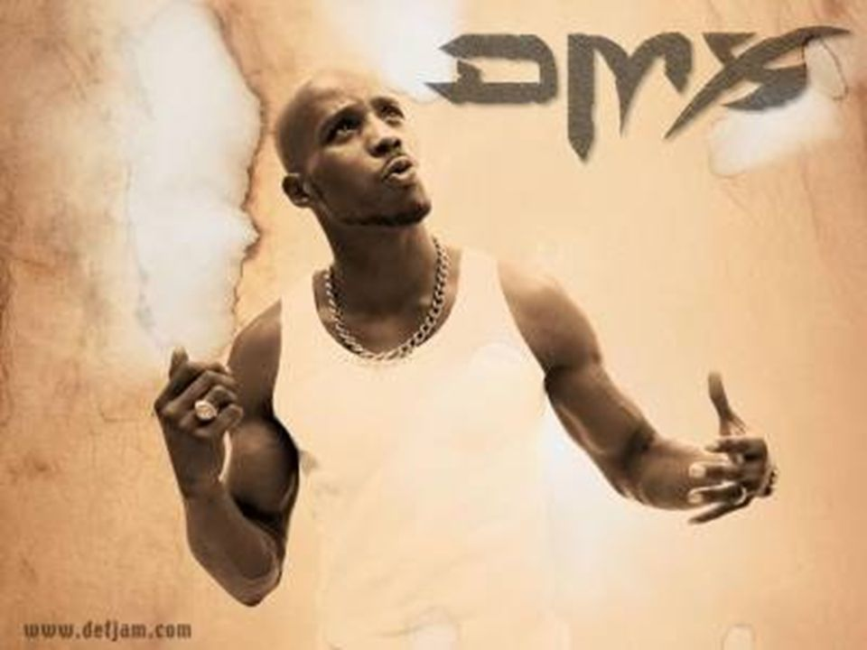 Jeho prvé jméno je Earl Simmons,narodil se v Baltimore,18.12.1970.DMX známý také jako DARK MAN X,The Divine Master nebo jednoduše a prostě DMX.je to afroamerický raper a herec,který byl slavný hlavně v 90letech a je slavný i teď.Začal rapovat kolem 13 let.Místní raper požádal mladého EARLA pro BEATBOX,a on souhlasil a dostal jméno DMX.Posléze se rozhodl zkusit skutečný RAP a zdokonaloval svoje SKILLS.