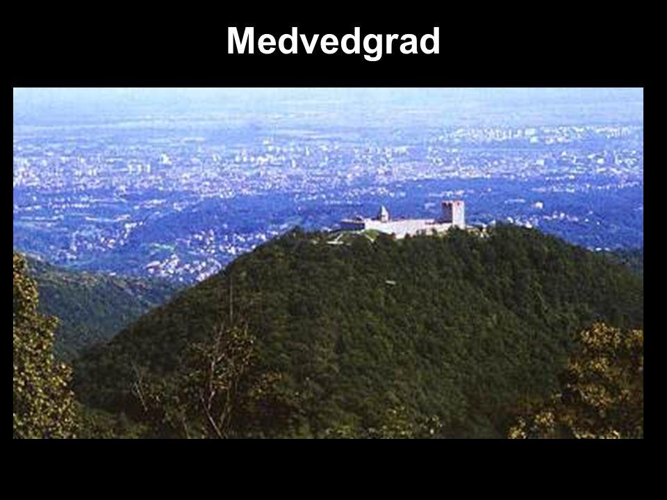 Medvedgrad Nejdůležitější středověký hrad v Chorvatsku-13. stol. na hoře Medvednica Diecézní pevnost→ královské město Dnes hostí Oltář vlast- místo ur