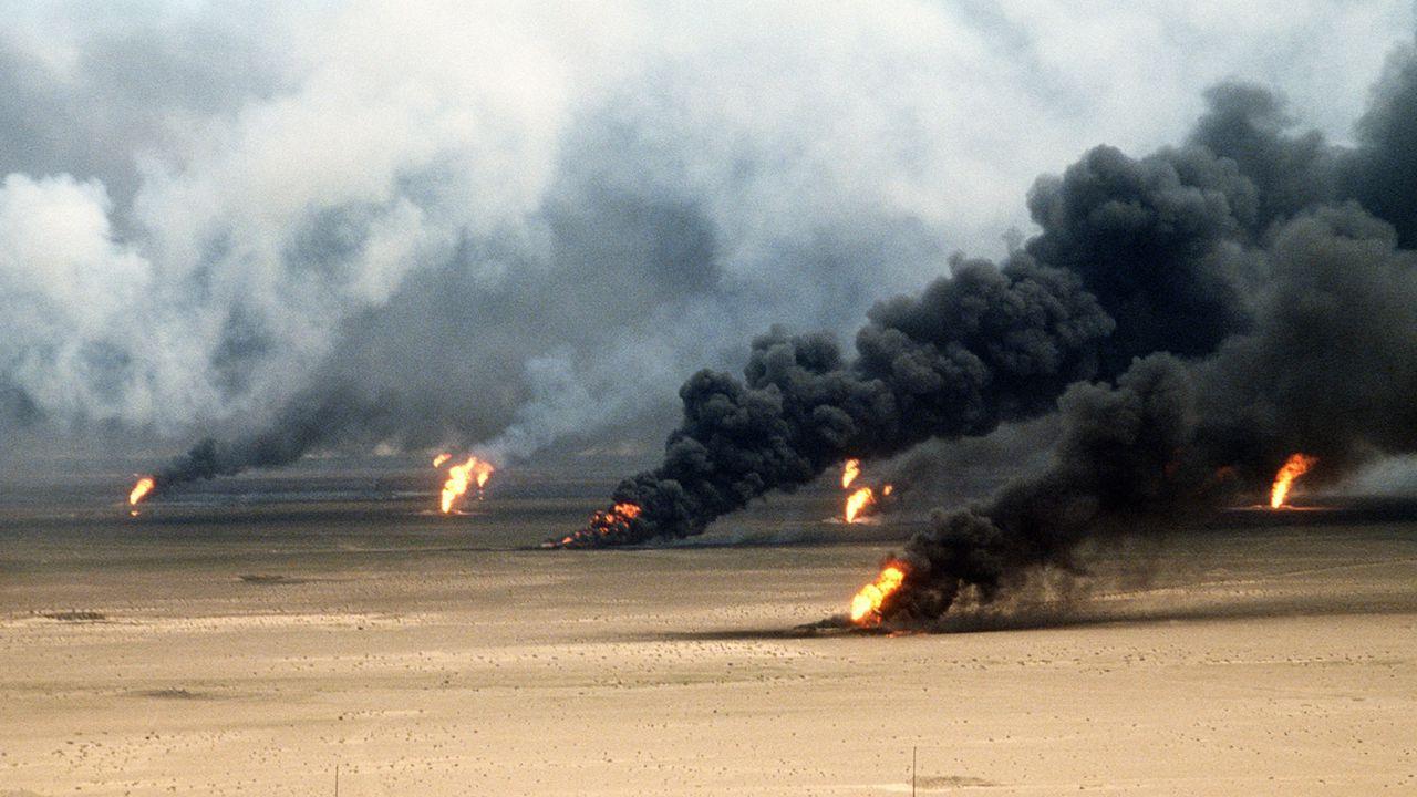 Konec války Milné odhady o vleklé válce – irácké síly menší než byly průzkumy a o generaci zaostalejší Cesta z Kuvajtu na severozápad do Iráku tzv.