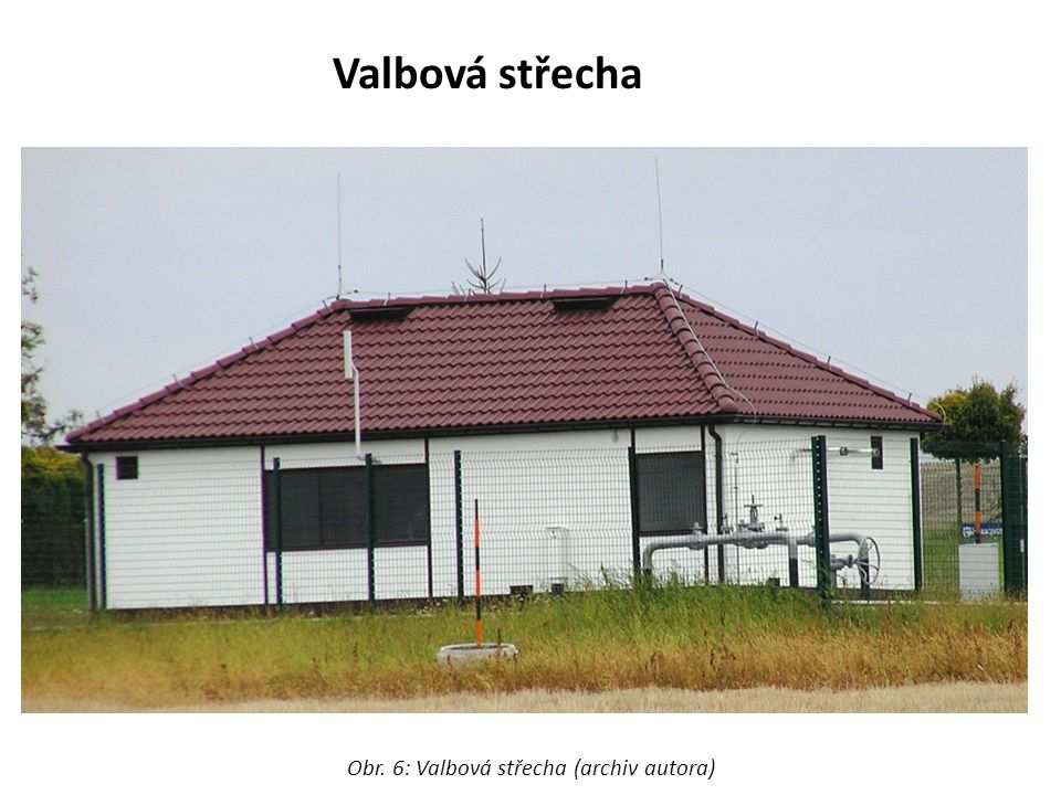Cibulová báň Obr. : Cibulová báň věže kostela ve Vlčí (archiv autora)
