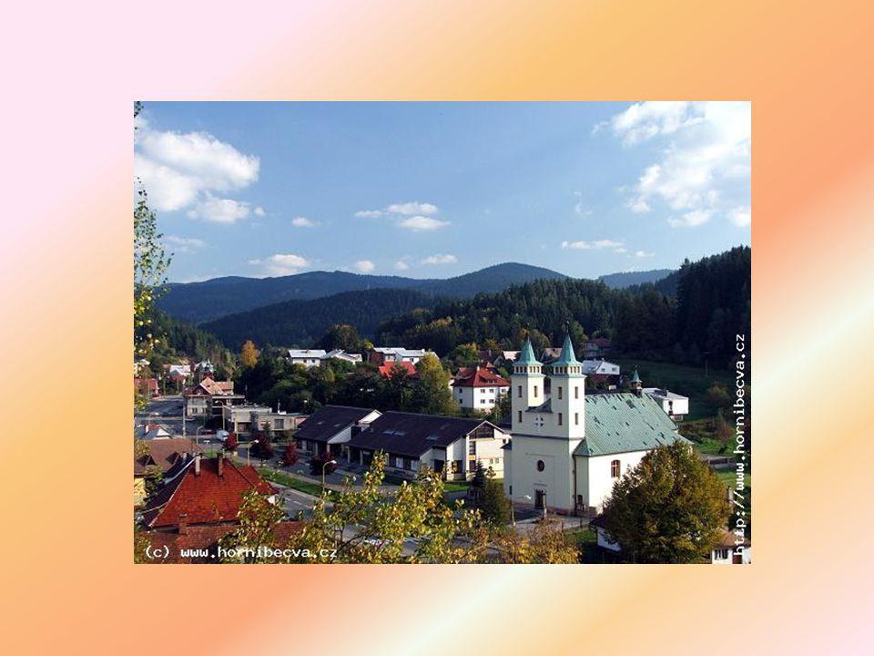 Horní Bečva nabízí základní i mateřskou školu, knihovnu obchody, stravovací a ubytovací zařízení, zdravotnická zařízení a ostatní služby příjemné prostředí k letní i zimní rekreaci - lyžařské vleky, vodní nádrž, turistické trasy, cyklotrasy