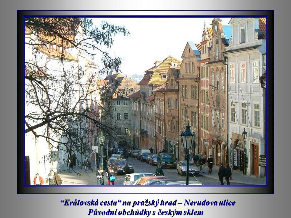 PRAŽSKÝ ORLOJ na Staroměstském náměstí Prodejna českého křišťálu
