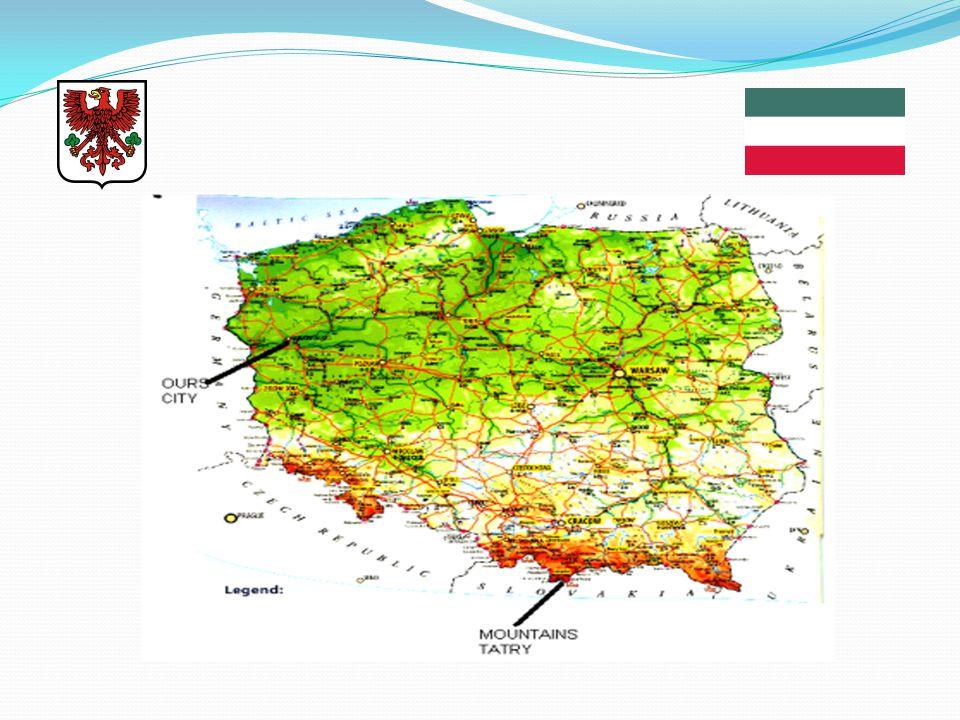 2. Hledáme město, které leží přibližně 460 KM severozápadně od hlavního města Varšavy u státních hranic s Německem. Hledané město má v názvu dvě jména