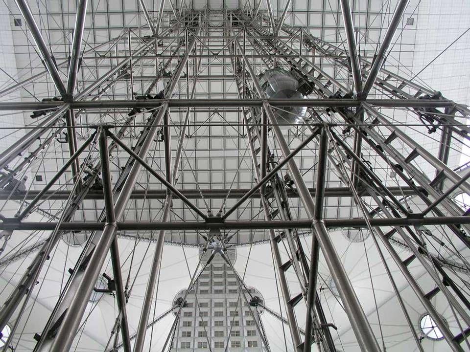 BEZBARIÉROVÉ VÝTAHY volná plocha před nástupními místy do výtahů musí být nejméně 1500 mm x 1500 mm rozměry kabiny 1400x1100 mm samočinné vodorovně posuvné dveře se šířkou vstupu nejméně 900 mm