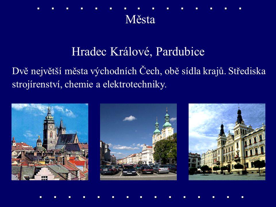 Řeky Orlice, Chrudimka, Cidlina V Hradci Králové se do Labe vlévá Orlice, v Pardubicích přibírá Chrudimku a o něco dále do něj zprava přitéká Cidlina.