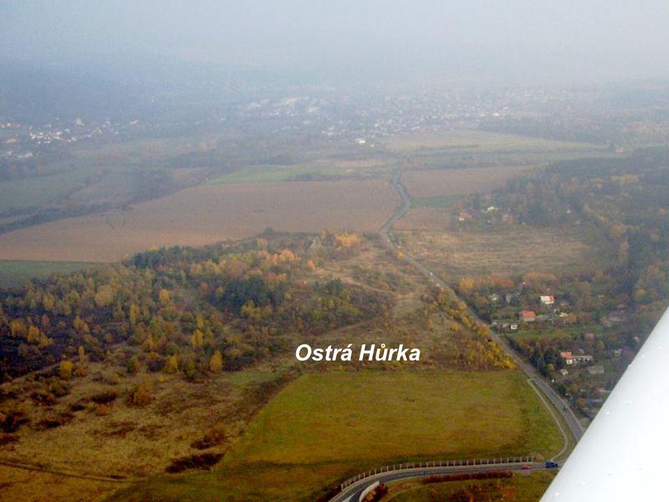 """Tunel Valík, pomník """"ekoteroristů"""