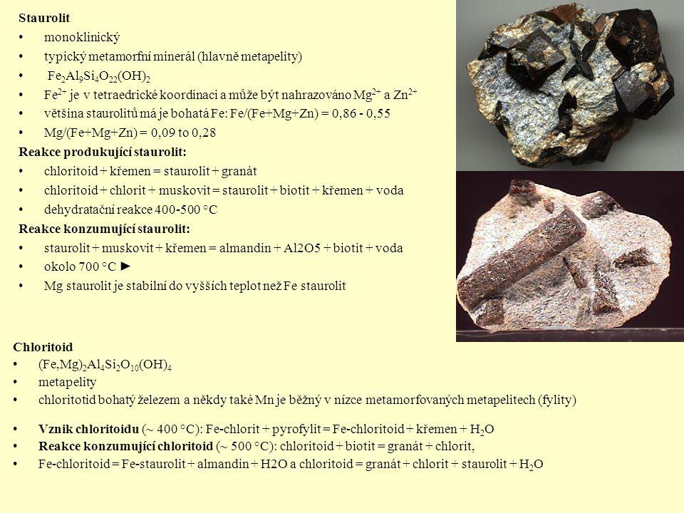 Staurolit monoklinický typický metamorfní minerál (hlavně metapelity) Fe 2 Al 9 Si 4 O 22 (OH) 2 Fe 2+ je v tetraedrické koordinaci a může být nahrazo