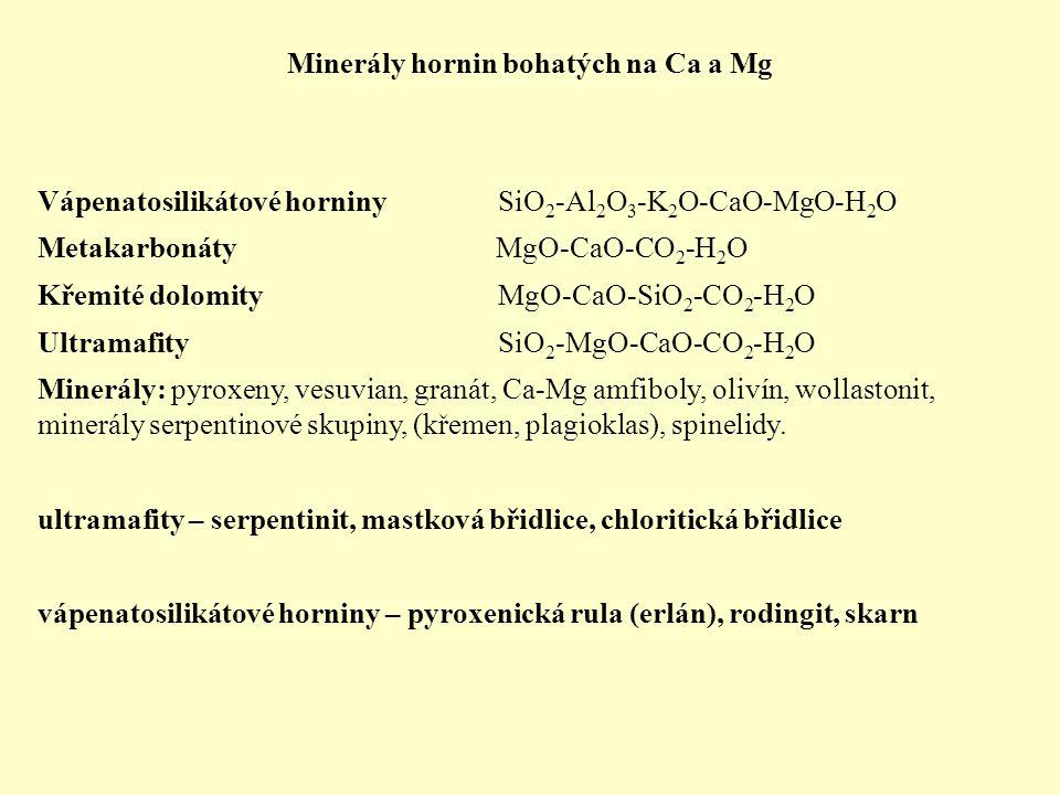 Staurolit monoklinický typický metamorfní minerál (hlavně metapelity) Fe 2 Al 9 Si 4 O 22 (OH) 2 Fe 2+ je v tetraedrické koordinaci a může být nahrazováno Mg 2+ a Zn 2+ většina staurolitů má je bohatá Fe: Fe/(Fe+Mg+Zn) = 0,86 - 0,55 Mg/(Fe+Mg+Zn) = 0,09 to 0,28 Reakce produkující staurolit: chloritoid + křemen = staurolit + granát chloritoid + chlorit + muskovit = staurolit + biotit + křemen + voda dehydratační reakce 400-500 °C Reakce konzumující staurolit: staurolit + muskovit + křemen = almandin + Al2O5 + biotit + voda okolo 700 °C ► Mg staurolit je stabilní do vyšších teplot než Fe staurolit Chloritoid (Fe,Mg) 2 Al 4 Si 2 O 10 (OH) 4 metapelity chloritotid bohatý železem a někdy také Mn je běžný v nízce metamorfovaných metapelitech (fylity) Vznik chloritoidu (~ 400 °C): Fe-chlorit + pyrofylit = Fe-chloritoid + křemen + H 2 O Reakce konzumující chloritoid (~ 500 °C): chloritoid + biotit = granát + chlorit, Fe-chloritoid = Fe-staurolit + almandin + H2O a chloritoid = granát + chlorit + staurolit + H 2 O