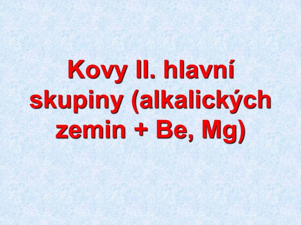 Obecné vlastnosti sloučenin Beryllium amfoterní, podobá se Al Be(OH) 2 + 2 HCl + 2 H 2 O → [Be(H 2 O) 4 ]Cl 2 Be(OH) 2 + 2 NaOH → Na 2 [Be(OH) 4 ] Většina sloučenin polymerních s kovalentní nebo kovalentní polární vazbou