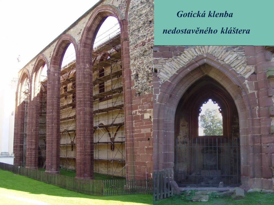 Gotická klenba nedostavěného kláštera