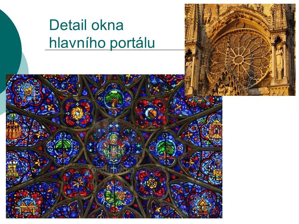 Detail okna hlavního portálu