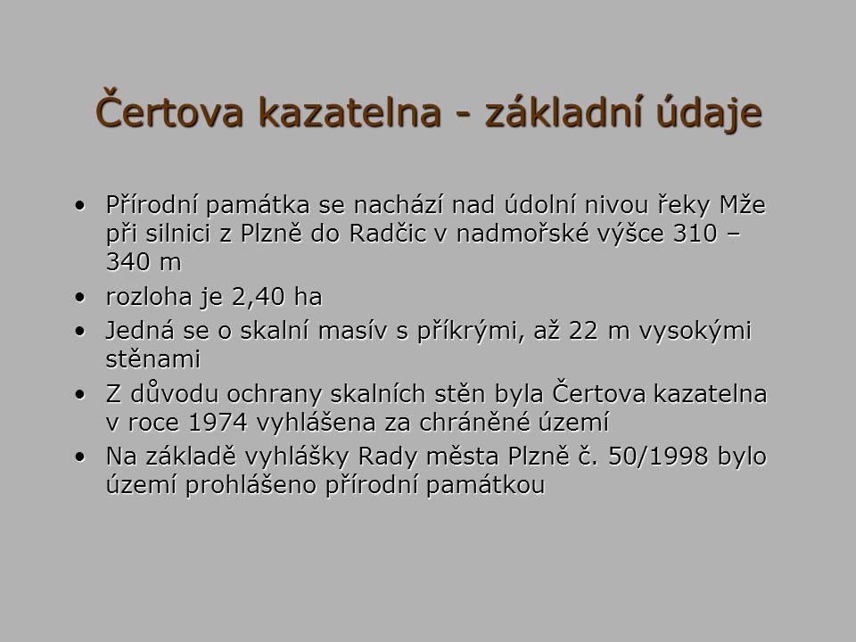 Čertova kazatelna - základní údaje Přírodní památka se nachází nad údolní nivou řeky Mže při silnici z Plzně do Radčic v nadmořské výšce 310 – 340 mPř