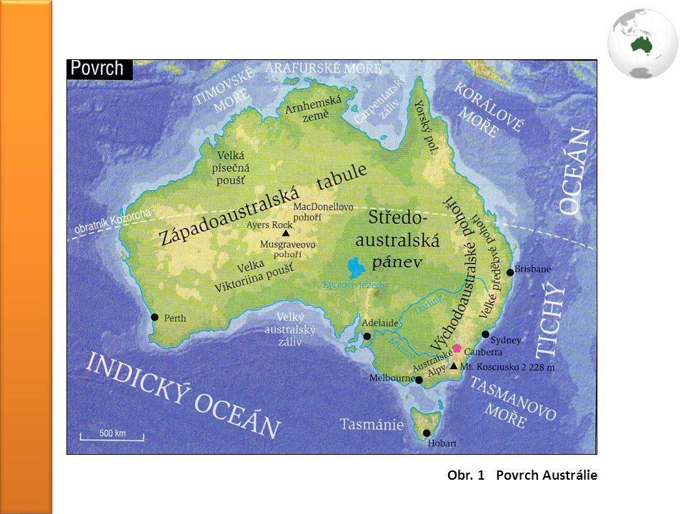 Rostlinstvo vlivem izolace vyvinutý endemismus nejrozsáhlejší savanové, polopouštní a pouštní formace na S a SV tropický deštný les na JV a Tasmánii subtropické lesy symbolem je blahovičník (eukalyptus) - využití při výrobě olejů a kosmetikyŽivočišstvo řada endemitů, malý počet šelem a savců zástupci: klokan, ptakopysk, koala, hadi, pavouci symbolem dovezených a přemnožených živočichů je králík přemnožil se zde také kůň, osel a prase divoké světovou raritou je Velká útesová bariéra - největší soustředění korálů na světě táhne se v délce přes 2 000 km podél SV pobřeží Národní parky ochrana přírody má dlouholetou tradici - asi 545 NP a téměř 3 000 přírodních rezervací NP: Královský NP, Kosciusco, Alpský NP, Mořský park Velká útesová bariéra, Kakadu nejznámější: Uluru (Ayers Rock), Modré hory a písečný ostrov při pobřeží Queenslandu