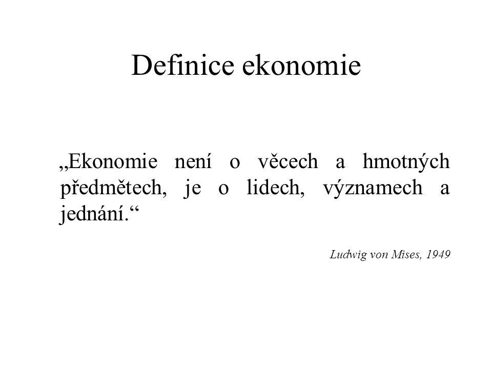 """Definice ekonomie """"Ekonomie zkoumá, jak různé společnosti užívají vzácné zdroje k výrobě užitečných komodit a jak je rozdělují mezi různé skupiny. Paul A."""