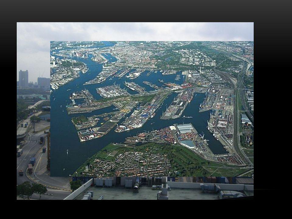 DŮLEŽITÉ PŘÍSTAVY (K ROKU 2009) 1. Shanghai – 506 mil. tun zboží 2. Singapore – 472mil. tun zboží 3. Rotterdam – 387 mil. tun zboží … 27. Hamburk – 11