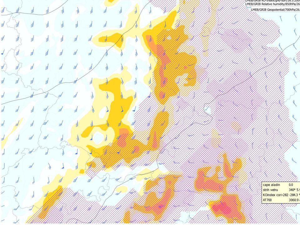 BOUŘKY ECMW barevné pole - modifikovaný Faustův index (s empirickou korekcí na vertikální pohyby) fialové šrafování - CAPE šedé čáry - izohypsy AT700 praporky - vertikální střih větru 850/500 Model ECMW (+10d)