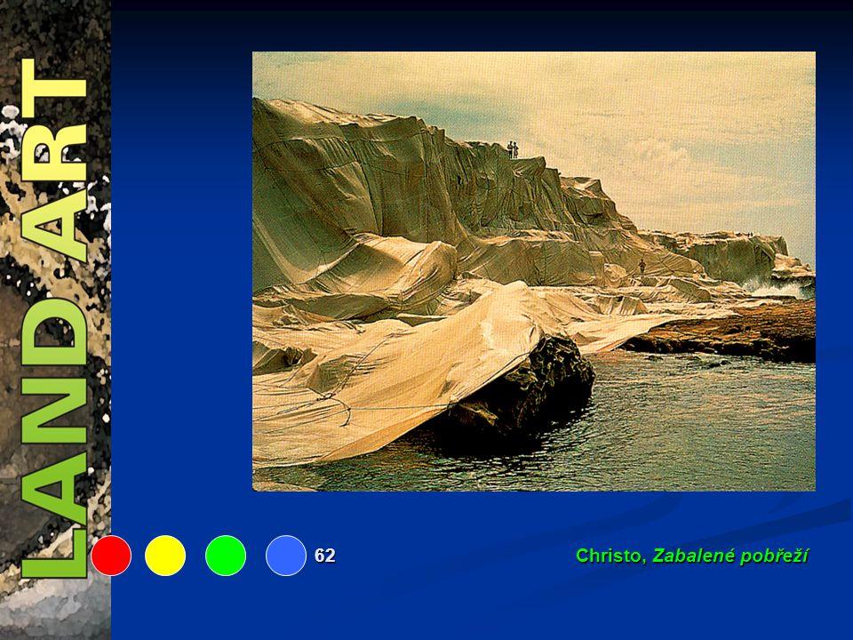 62 Christo, Zabalené pobřeží