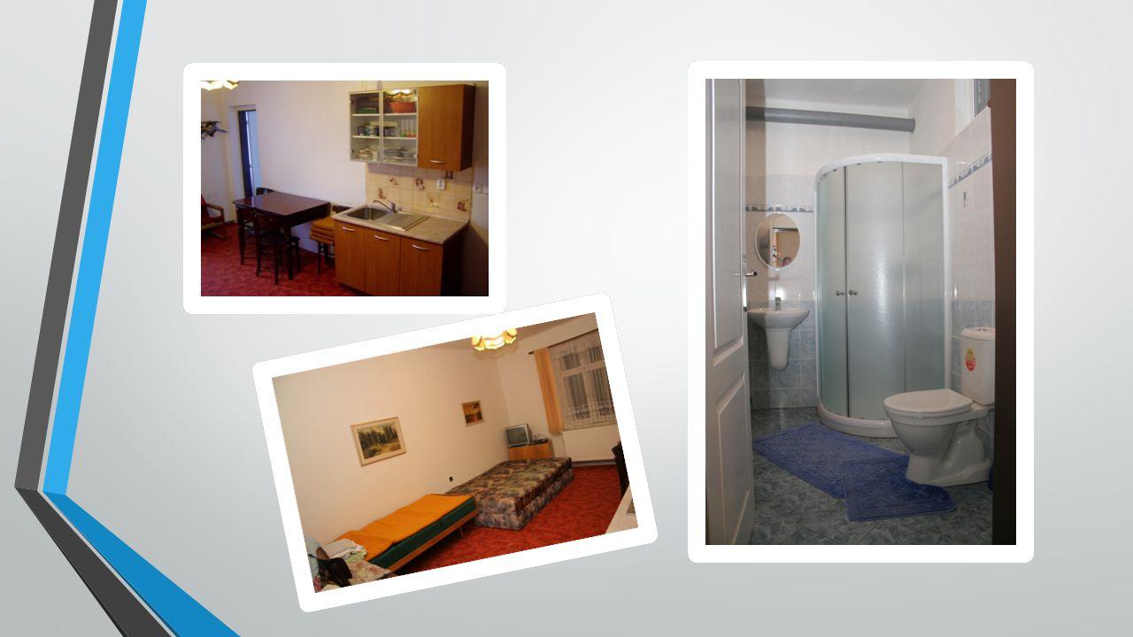 Nemovitost se nachází mezi Sklenařicemi a Pasekami nad Jizerou, v turistické mapě nás najdete pod názvem Čermákovy Rovně.