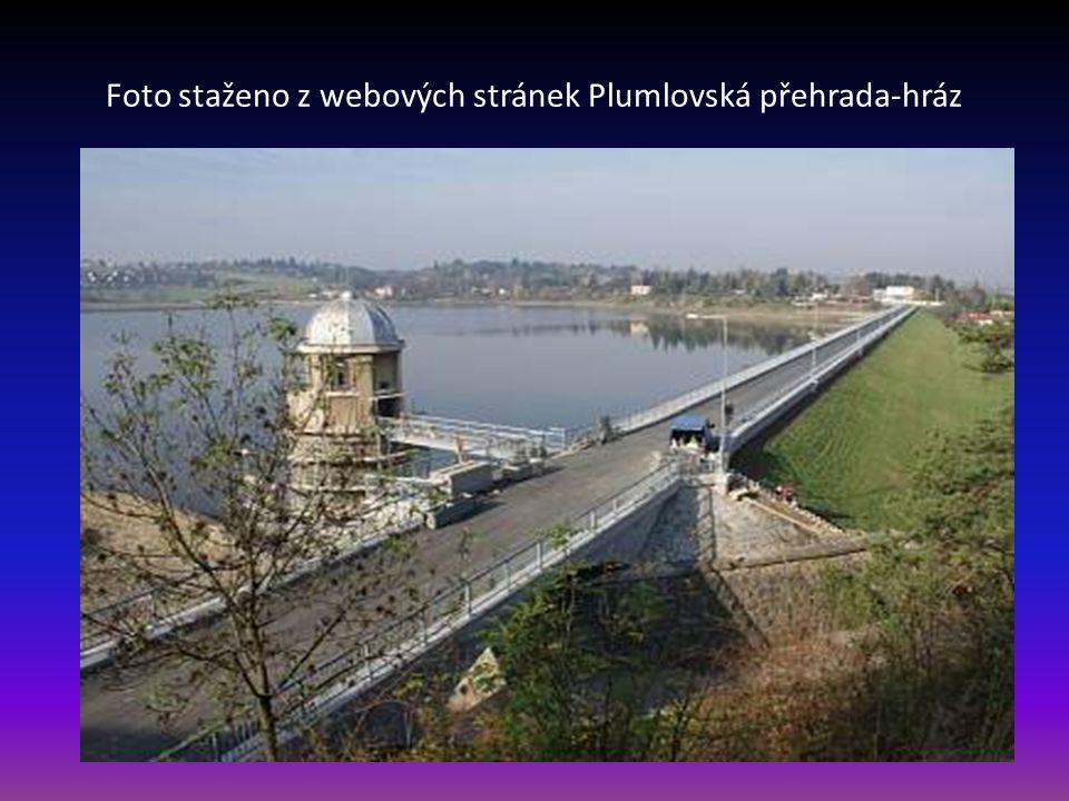Plumlovská přehrada se nachází na říčce Hloučela asi 3 km jihozápadně od Prostějova. Je jednou z našich nejstarších přehradních nádrží s rozlohou 65 h