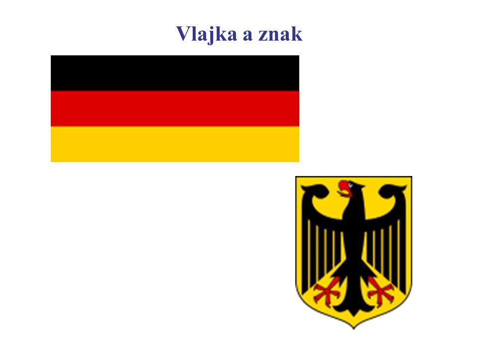 Sousedé Německo sousedí s devíti státy : DánskoDánsko, Polsko, Česko, Rakousko, Švýcarsko, Francie, Lucembursko, Belgie a Nizozemsko.PolskoČeskoRakousko ŠvýcarskoFrancieLucemburskoBelgie Nizozemsko Německo je zemí v Evropě, která sousedí s nejvíce státy.Evropě Německo se nachází na eurasijské kontinentální desce, přesto se vyskytují slabá zemětřesení, především v Porúří.eurasijské kontinentální descezemětřeseníPorúří