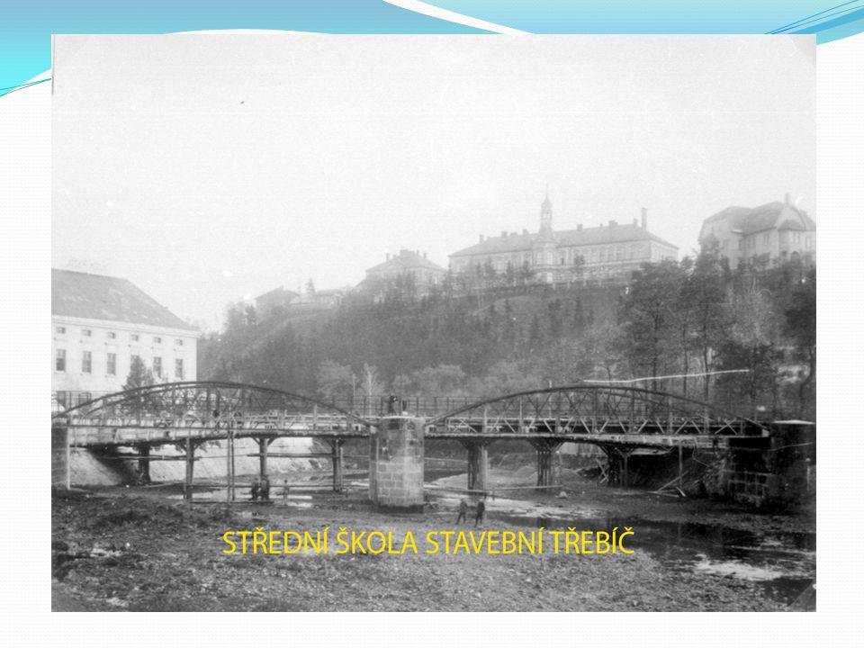 Previous bridge in 1906
