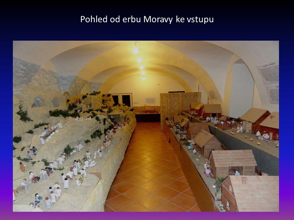 Vstup-vlevo první část Moravské vesničky a vpravo betlém, na čelní stěně je erb Moravy z 19.