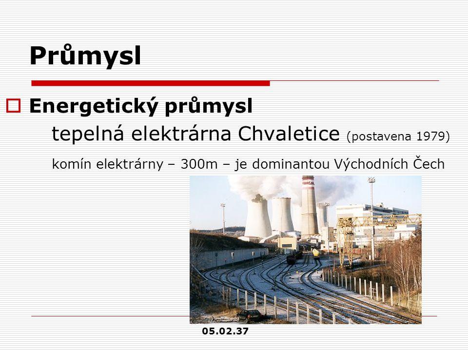 Průmysl  Energetický průmysl tepelná elektrárna Chvaletice (postavena 1979) komín elektrárny – 300m – je dominantou Východních Čech 05.02.37