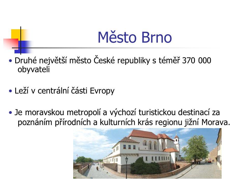 Město Brno Na sever od Brna začíná chráněná oblast Moravského krasu Směrem na jih se rozprostírají vinice se stylovými vinnými sklípky Město je obklopeno smíšenými lesy, které nabízejí mnoho příležitostí pro turistiku a cykloturistiku