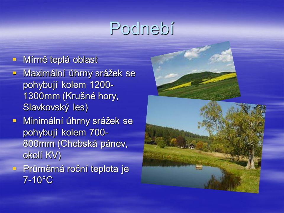 Podnebí  Mírně teplá oblast  Maximální úhrny srážek se pohybují kolem 1200- 1300mm (Krušné hory, Slavkovský les)  Minimální úhrny srážek se pohybuj